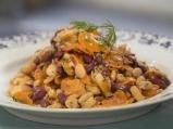 Бобена салата с моркови и копър